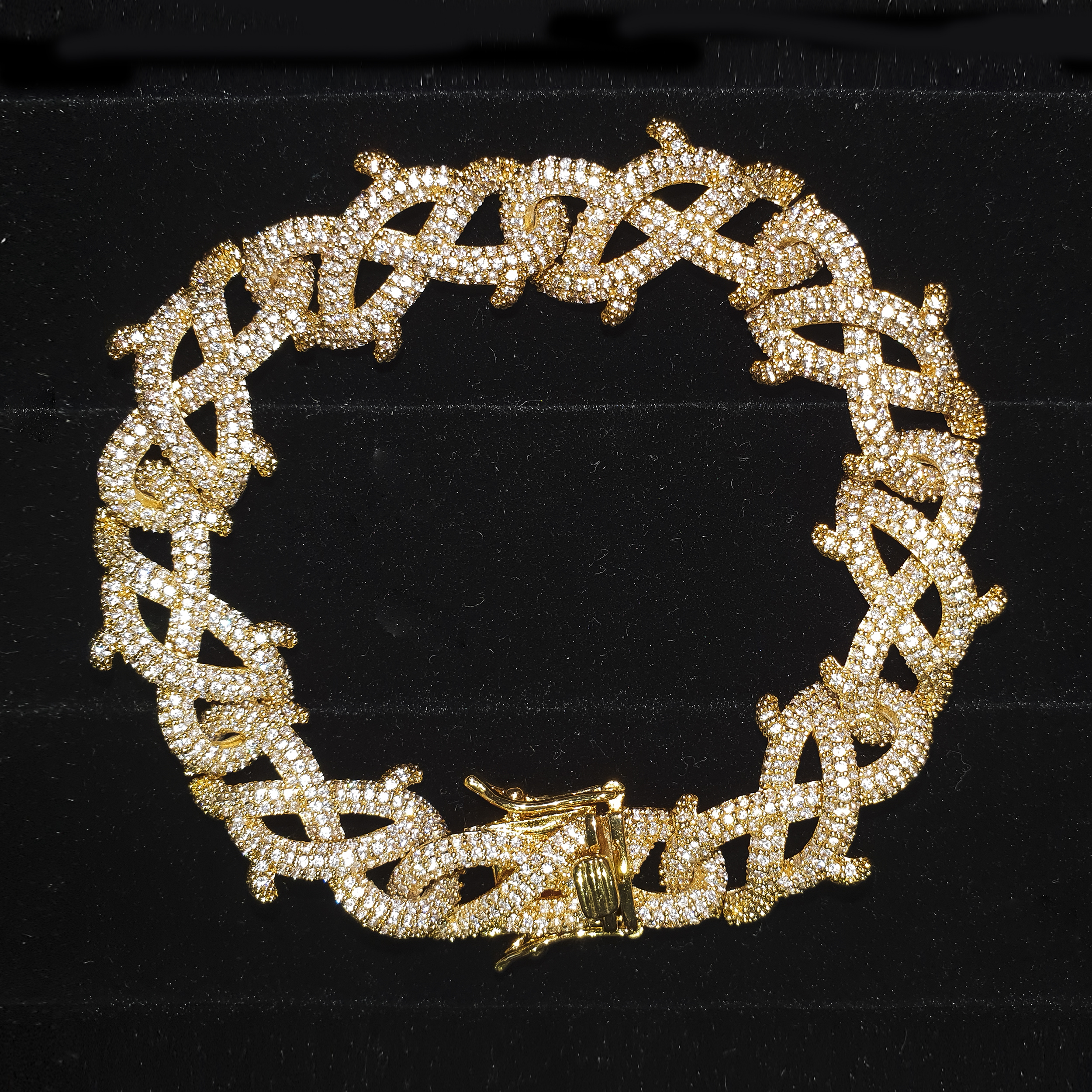 ICED OUT BARBED WIRE LINK BRACELET IN GOLD