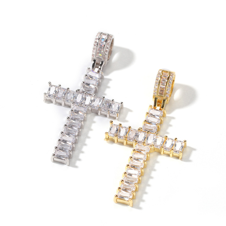 BAGUETTE CROSS PENDANT IN GOLD/SILVER